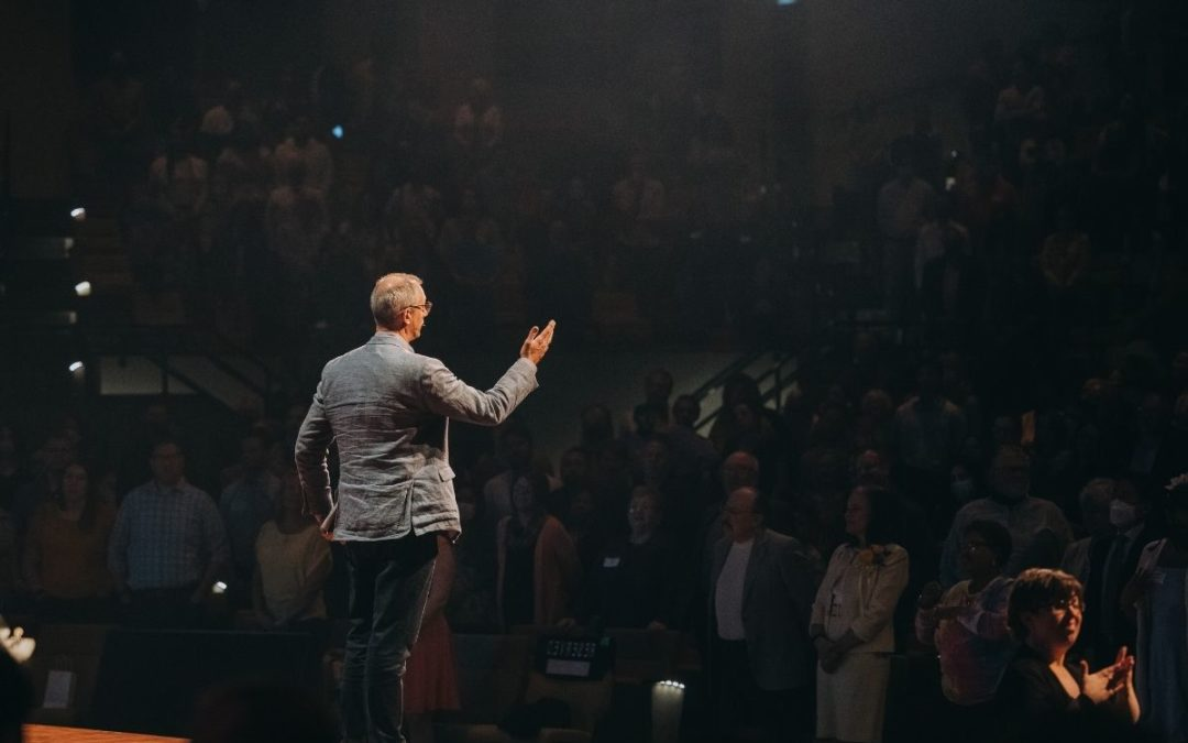 How to Encourage Your Pastor